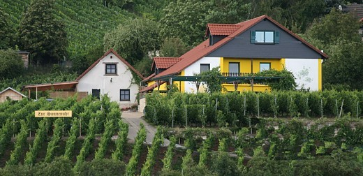 """Weinrestaurant und Hotel """"Zur Sonnenuhr"""""""